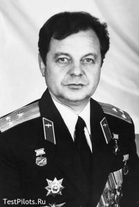 В.Н.Кондауров